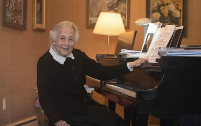 A 92-Year-Old Piano Teacher Won't Let Students Miss Bach in the Pandemic
