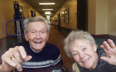 90-year-old couple reunites after wife recovers from COVID-19