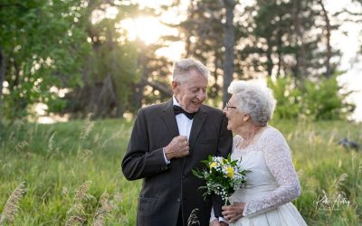 Nebraska couple dons original wedding dress, suit in sweet photo after 60 years of marriage